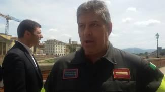 """Voragine lungarno Torrigiani, Maleci (Vigili del fuoco): """"Mai visto niente di simile"""""""