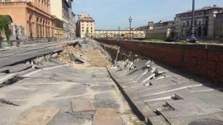 Crollo del lungarno: acqua a singhiozzo, autobotti e lavori per bypass di emergenza