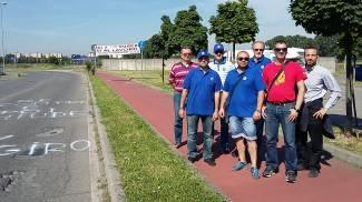 Cinisello, al Giro d'Italia la protesta dei lavoratori della General Electric