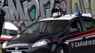 Guerriglia al Palaspecchi. Spunta coltello, tre romeni portati in caserma