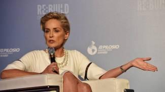 """Sharon Stone in segreto ad Assisi: """"Qui mi sento  tra amici"""""""
