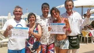 Riccione Day, l'assalto dei tremila tra aperitivi, feste e matrimoni in spiaggia