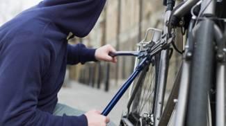 Gallarate: era agli arresti domiciliari, sorpreso mentre ruba una bici