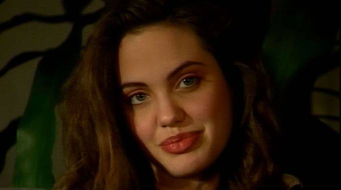 Gossip, Angelina Jolie 16enne in un video inedito di Antonello Venditti