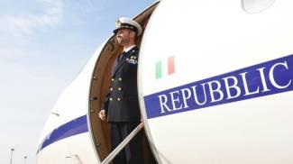 """Marò, Salvatore Girone è a casa. Le prime parole: """"Grazie Italia, siamo un bel popolo"""""""