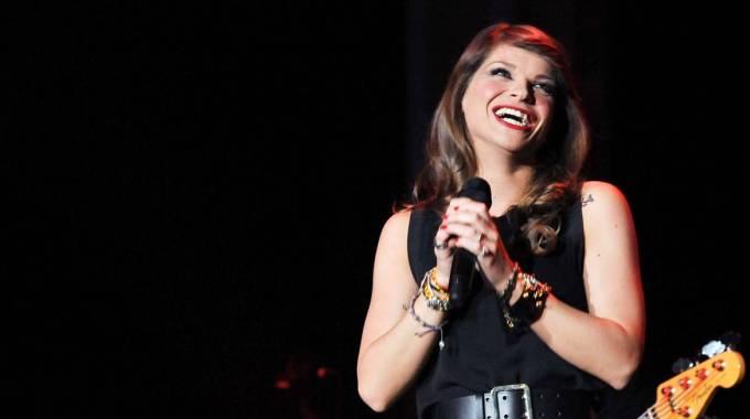 Alessandra Amoroso felice grazie ai fan: