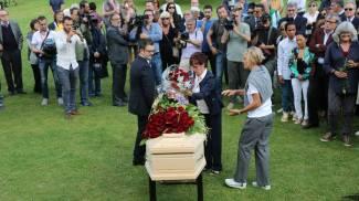 Morto Giorgio Albertazzi, l'addio degli amici nella tenuta in Maremma