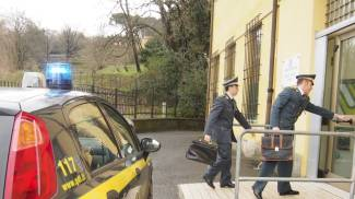 Evade 200mila euro, noto commercialista finisce nei guai
