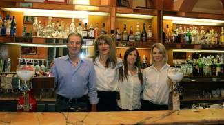 Il bar Bacchilega chiude. E' il giorno dei saluti