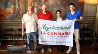 Legalizzazione della cannabis, parte la campagna