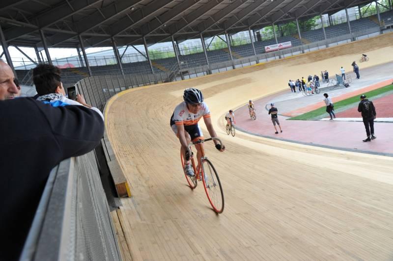 È stato riaperto dopo 15 anni il velodromo 'Vigorelli' a Milano