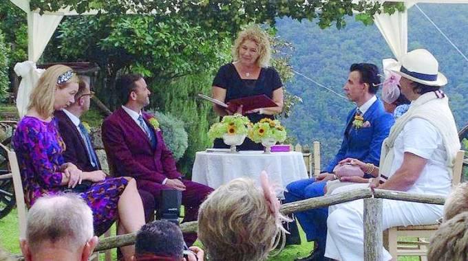 Alistair e Scott sposi gay, un momento della cerimonia