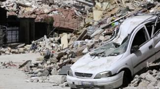 Image Terremoto, le vittime salgono a 291. I funerali ad Ascoli. Vescovo: ho chiesto a Dio 'ora che si fa?' / FOTO / VIDEO