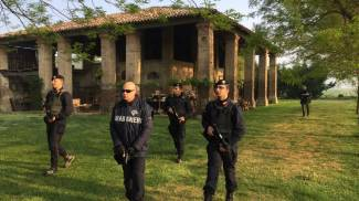 Le ricerche dei carabinieri di Faenza nella zona al confine tra il lughese e il ferrarese
