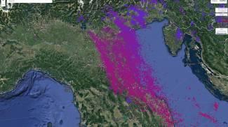 La mappa satellitare dei fulmini caduti ieri sera