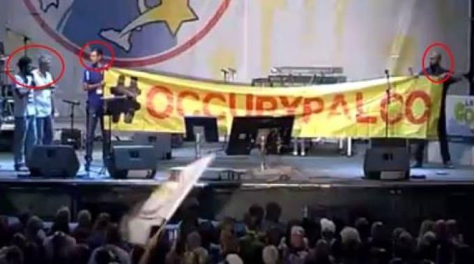 Espulsi contestatori M5S, la foto postata sul profilo Facebook di Beppe Grillo