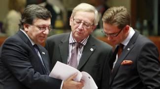 Da sinistra Barroso, Juncker e Katainen (Ansa)