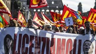 Un momento dello sciopero a Roma (Ansa)