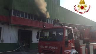 Incendio a Trezzano sul Naviglio