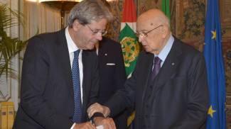 Paolo Gentiloni giura da ministro nelle mani del presidente Napolitano (ANSA / ANTONIO DI GENNARO)