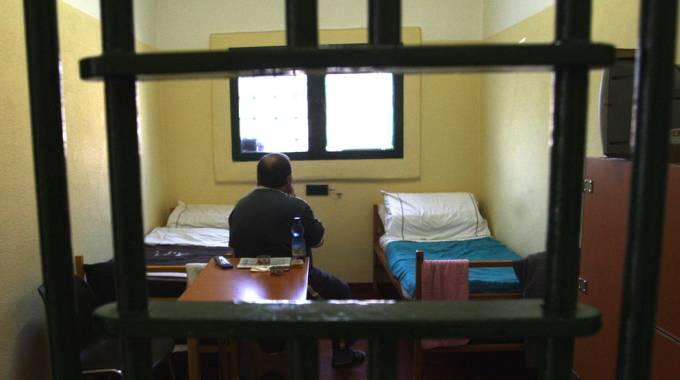 Detenuto in una mini-cella