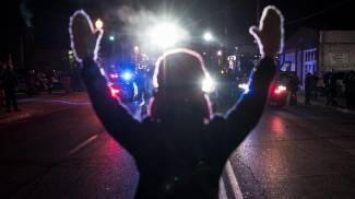 Continuano le proteste a Ferguson (Ansa)