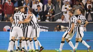 L'esultanza dei bianconeri dopo il gol (Lapresse)