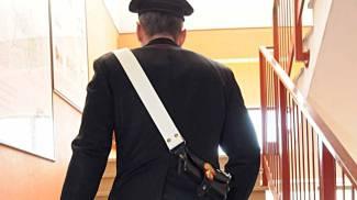 Ragazzino va a scuola con un coltellino in tasca: arrivano i carabinieri per disarmarlo