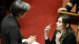 """Legge elettorale: ok in Senato tra le proteste. Renzi esulta su Twitter: """"Il coraggio paga"""""""