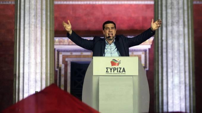"""Grecia, Syriza trionfa alle elezioni. Tsipras: """"Basta con l'austerità"""""""