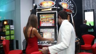 Gioco d'azzardo, mille firme contro nuove sale giochi