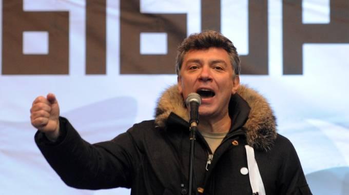 """Russia, ucciso leader dell'opposizione. Nemtsov freddato nel centro di Mosca. Putin: """"E' una provocazione"""""""