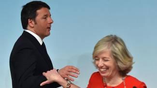 """Riforma scuola, nuovo rinvio. Renzi: """"Assunzioni non slittano. Martedì ddl e palla alle Camere"""". Banda larga: sei miliardi / VIDEO"""