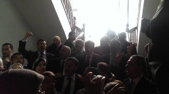 Tunisi i deputati cantano l 39 inno nazionale durante l for Nazione di firenze