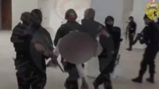 Tunisi, spunta nuovo video choc. Il blitz della polizia al Bardo. Grida e spari tra turisti in fuga