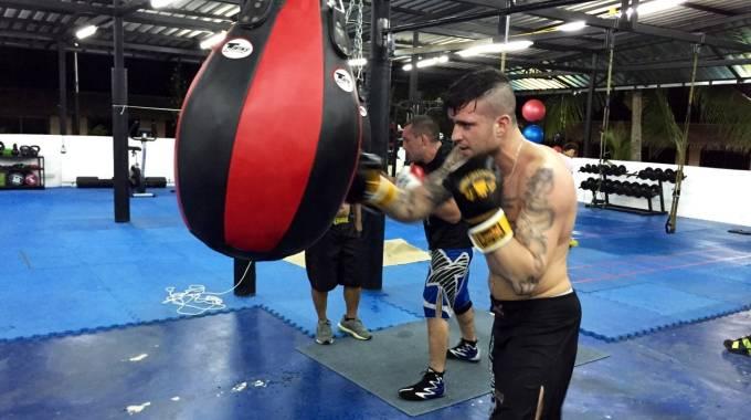 Thai boxe il pisano redi verso il titolo - Allenamento kick boxing a casa ...