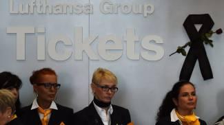 Aereo caduto, spunta il manuale Lufthansa per i disastri: cosa fare, cosa dire e cosa non dire