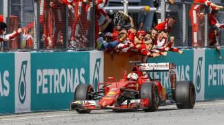 F1, Vettel domina con la Ferrari. Le Mercedes devono arrendersi