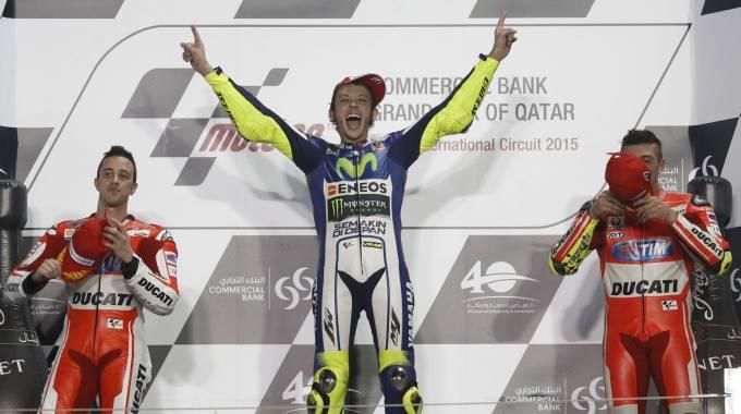 MotoGp, super Rossi trionfa in Qatar. Podio tutto italiano con le due Ducati