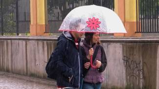 Meteo, la pioggia rovina il primo maggio