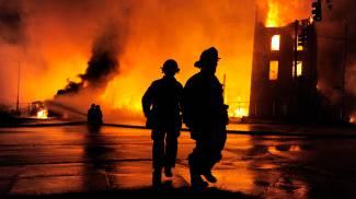 Baltimora, notte di violenze dopo i funerali del nero morto in cella: coprifuoco e Guardia Nazionale