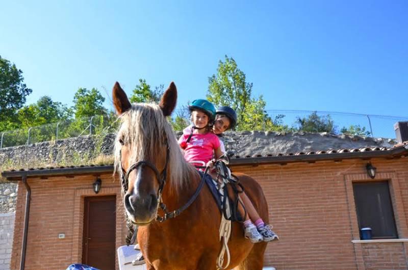 Il gigante e le bambine: ma con il cap, anche in TPR! da Annalisa