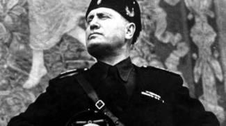 Commemorazione di Mussolini al cimitero: l'Anpi prepara un esposto