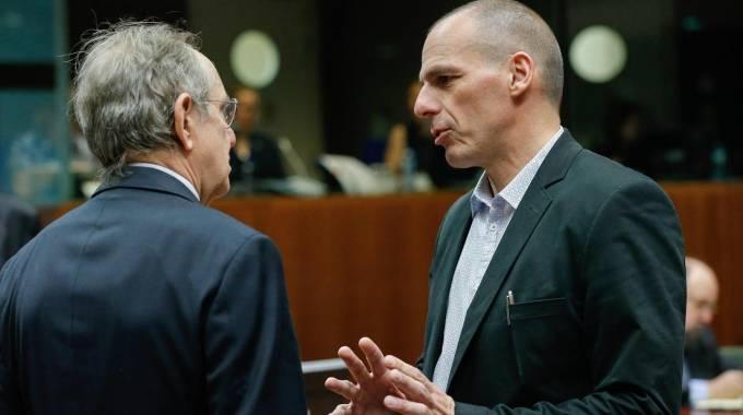 """Grecia, l'Italia teme l'effetto domino. """"Aiuti straordinari a Tsipras. Subito"""""""