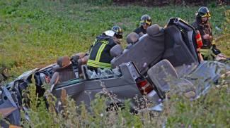 """Monovolume si schianta a svincolo A16, morti 4 operai. Autista: """"Colpo di sonno"""""""